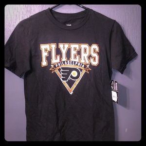 NEW NHL Philadelphia Flyers Boys Tee Medium 10/12
